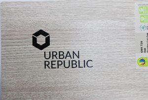 طباعة الشعار على مواد الخشب بواسطة WER-D4880UV 2
